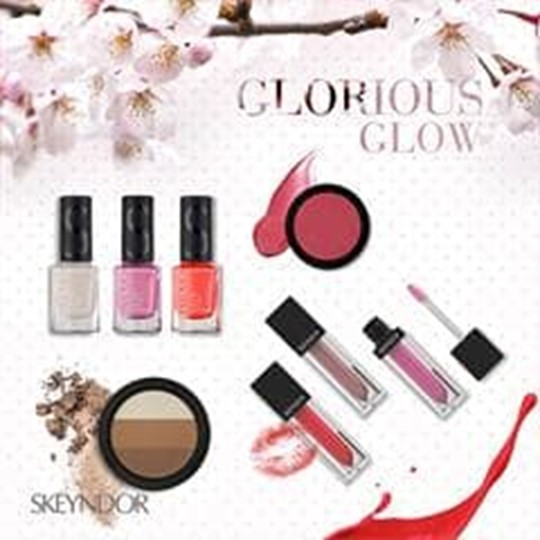 MAQUILLAJES SKEYNDOR P/V 15' :GLORIOUS GLOW